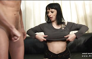 ठूला स्तन फ्रान्सेली हार्ड उनको कास्टि Cou काउचको लागि विश्लेषण गरी