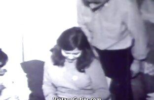जवान केटी दुई मानिससँग १ 60 .० पुरानो स्विंग गर्दछ